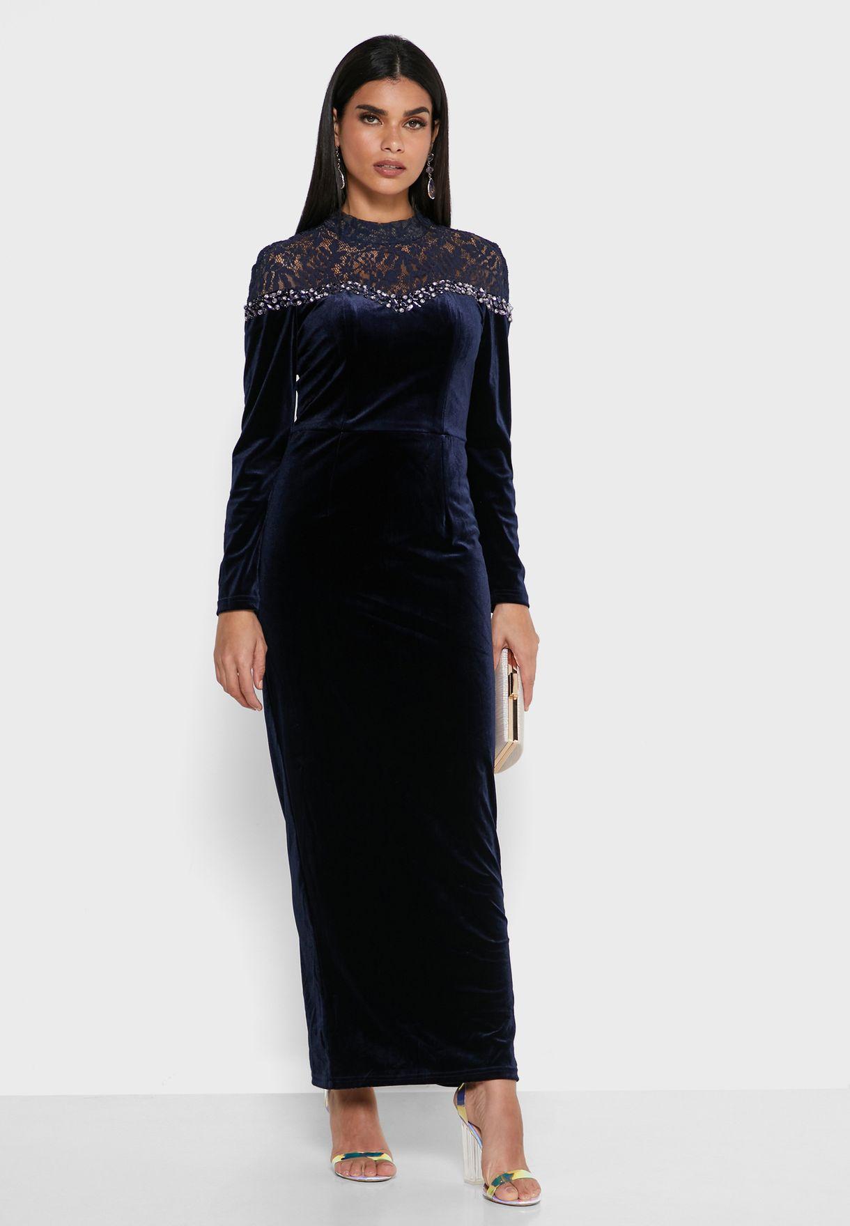 فستان مخمل مزين باحجار الراين