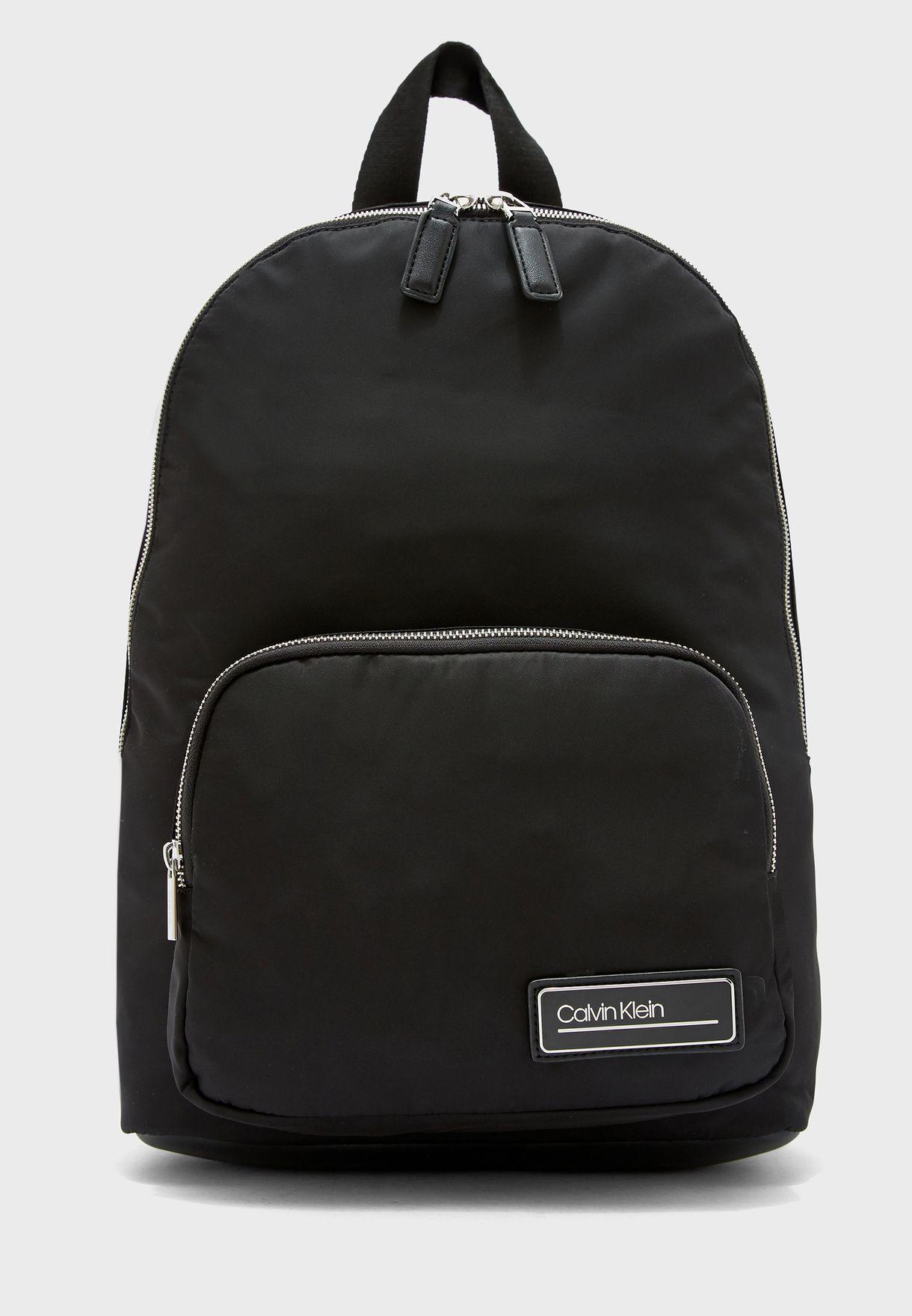 حقيبة ظهر مدورة