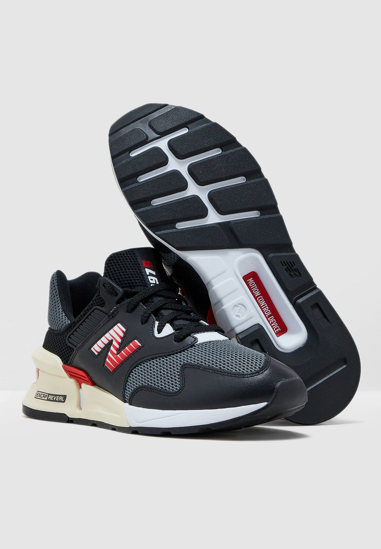 حذاء رياضة 997 اس