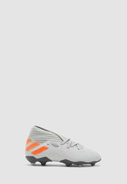 حذاء نيميزيز 19.3 اف جي