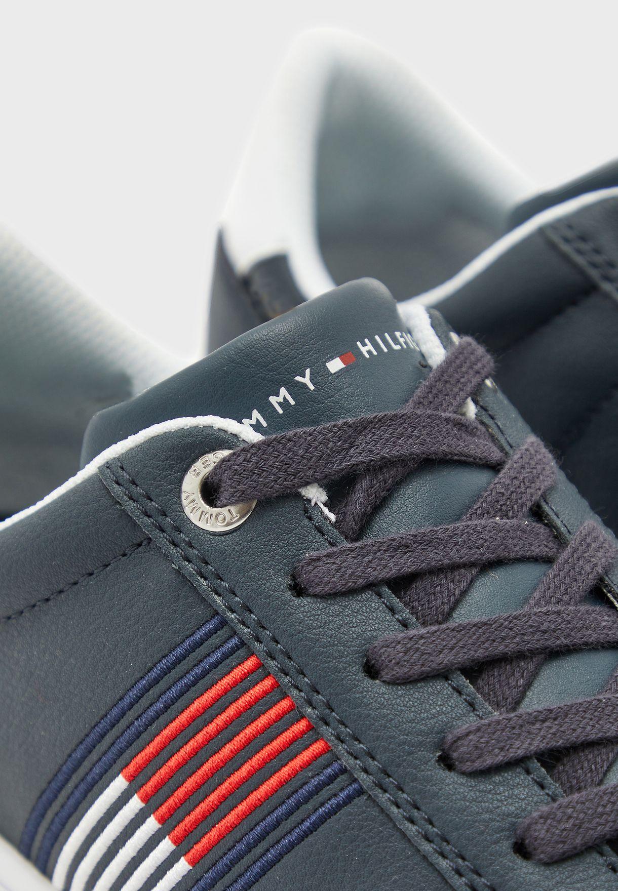 حذاء باسكت