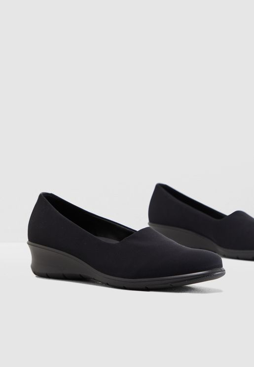 84a7699375fe Flat Shoes for Women