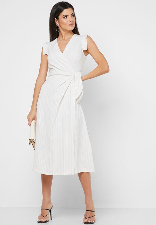 فستان بنمط لف واربطة