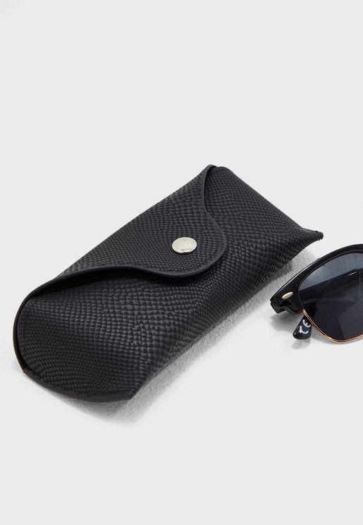 حافظة للنظارة الشمسية