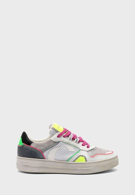 Dribble Low Top Sneaker