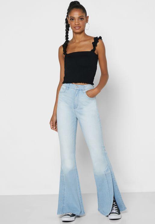 بنطال جينز بحواف واسعة
