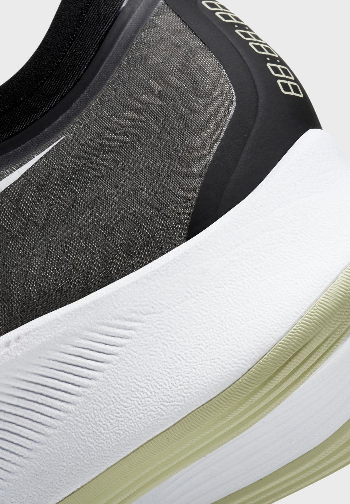حذاء زوم فلاي 3