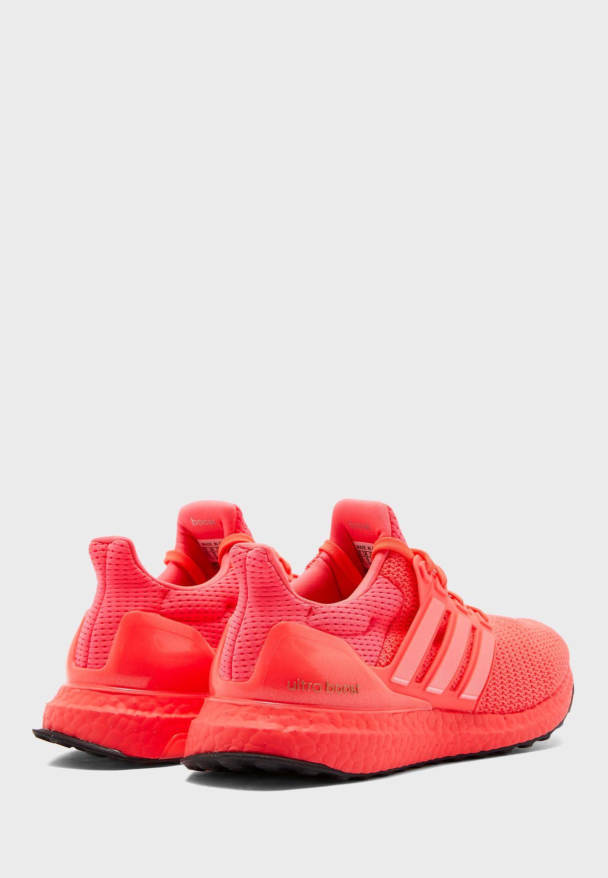حذاء الترا بوست دي ان ايه 2.0