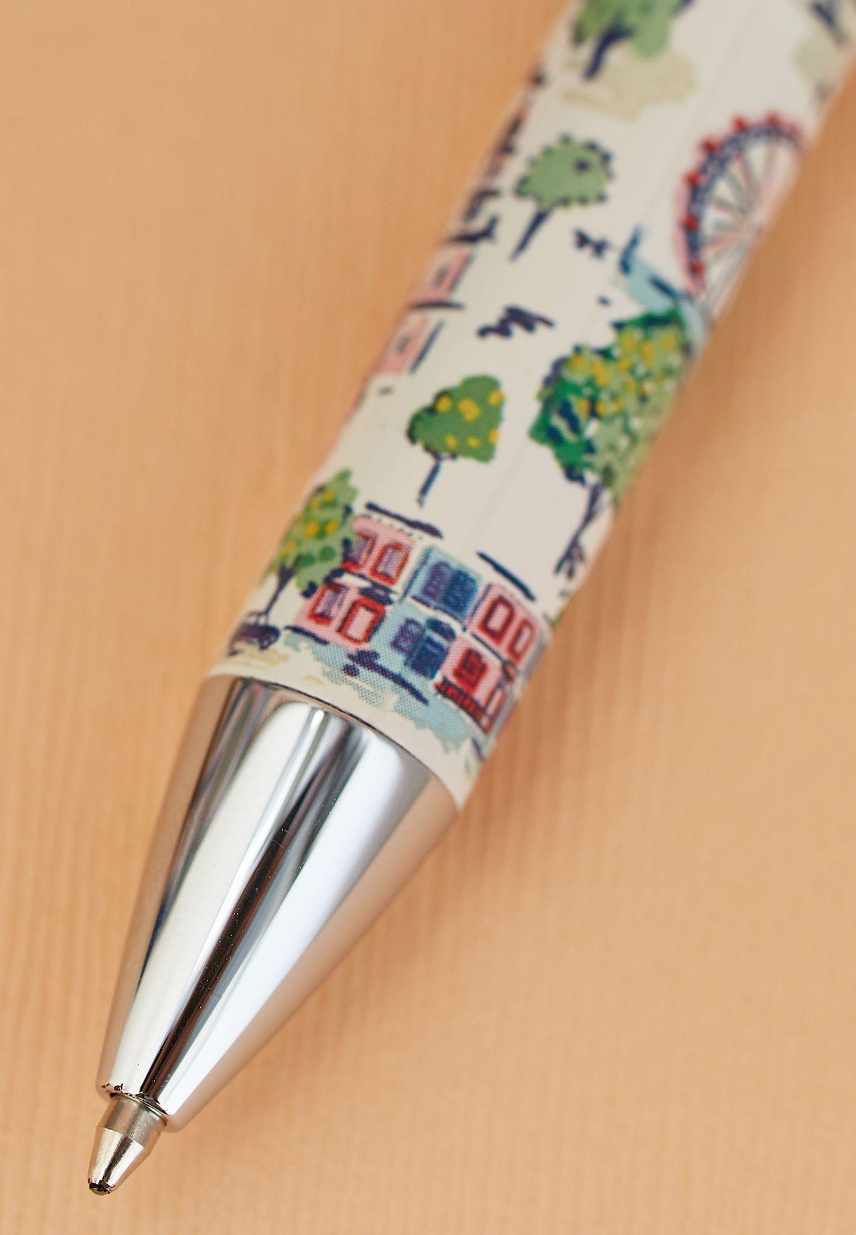 قلم حبر اسود ومقلمة