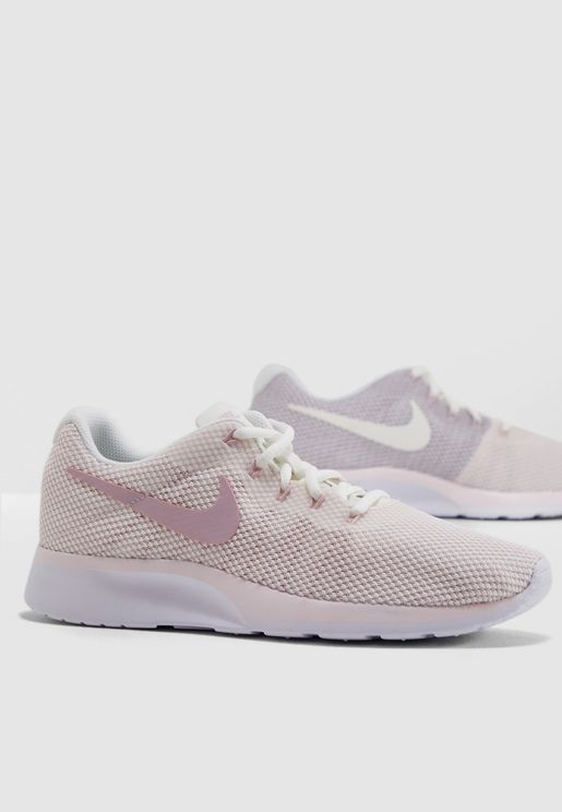 the best attitude 5eca8 84f67 Nike Sneakers for Women  Online Shopping at Namshi UAE