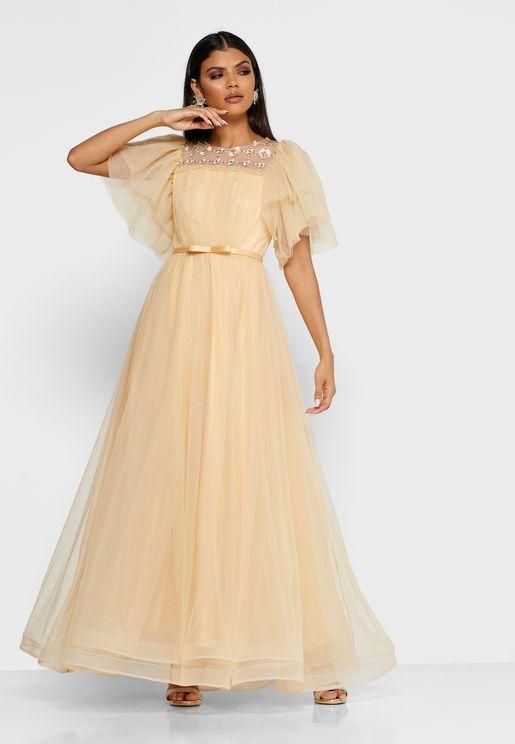 فستان باكمام منفوشة بطبقات