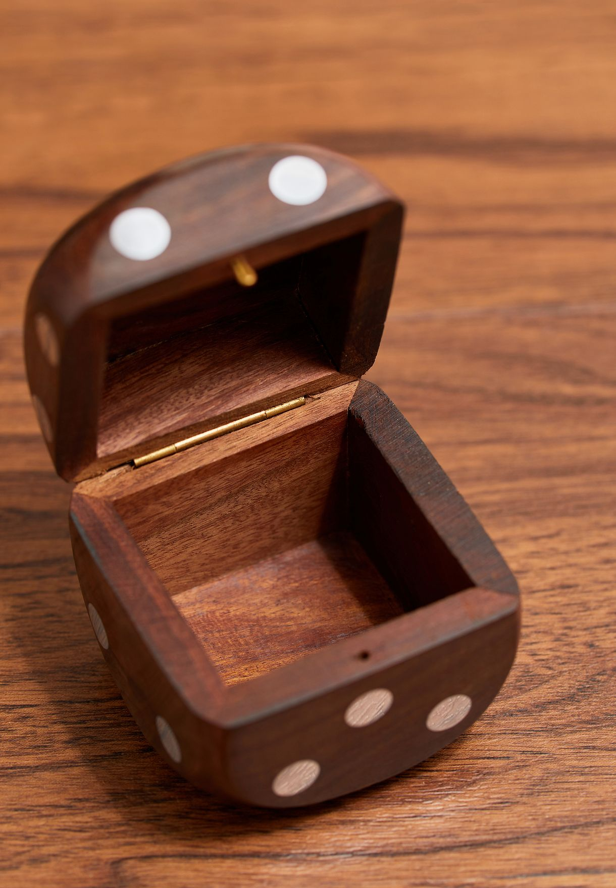 Wooden Dice Box with 5 Dice