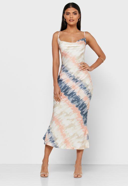 فستان مطبع بياقة منسدلة