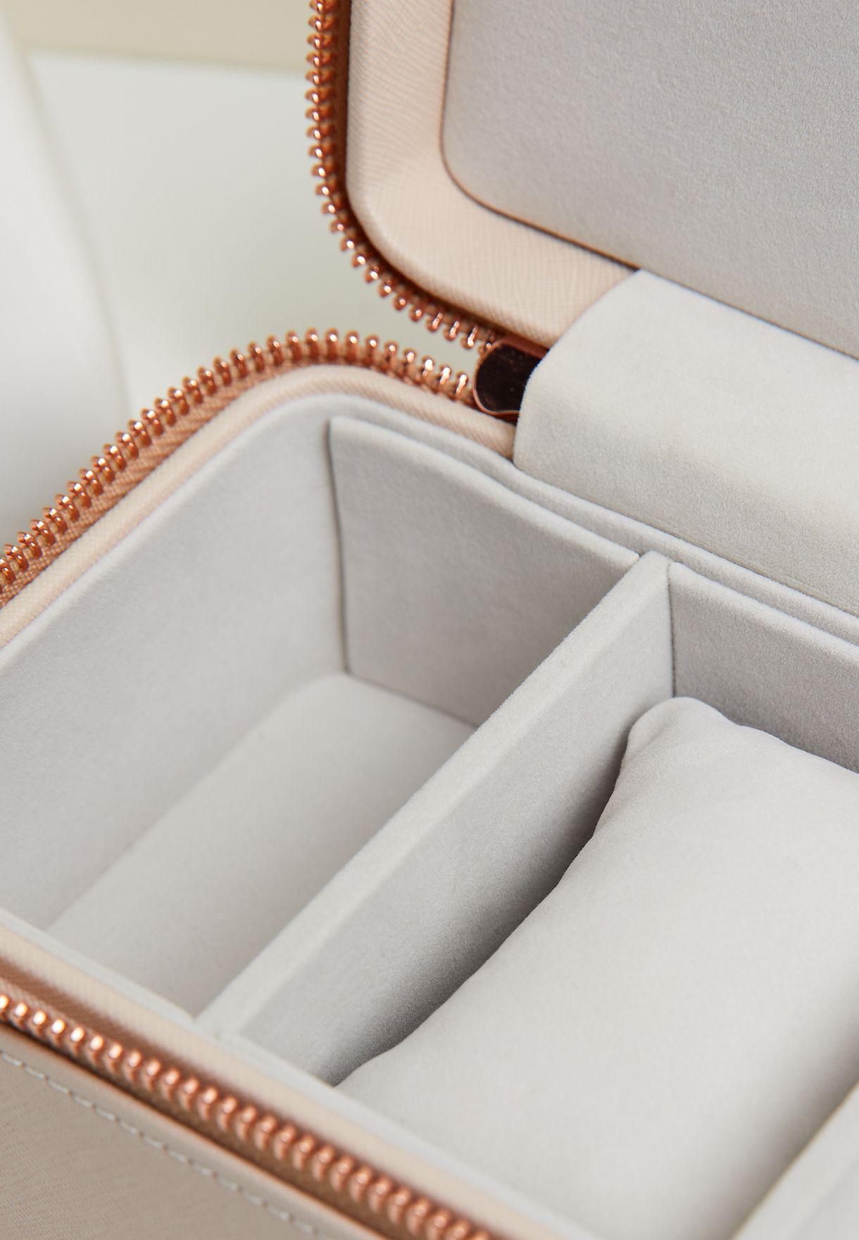 صندوق مجوهرات وساعة
