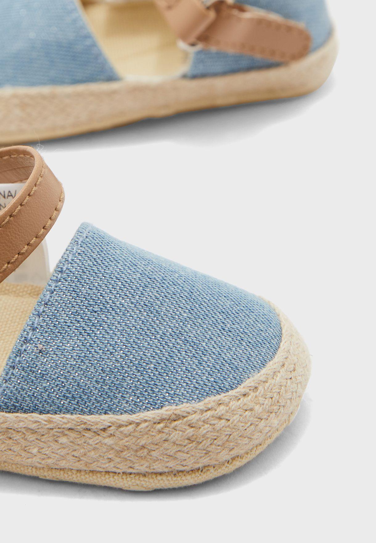 حذاء سهل الارتداء بشريط فيلكرو