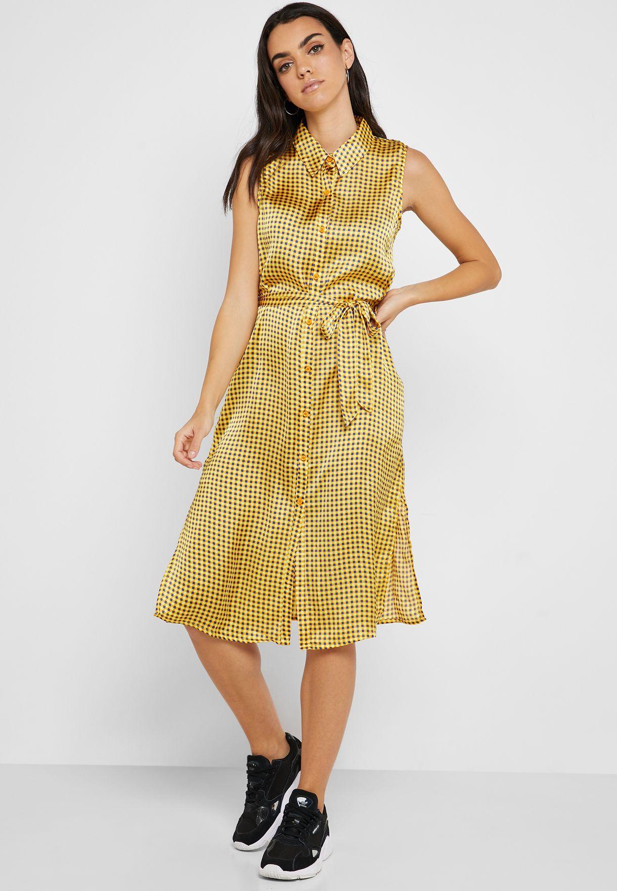 فستان بنمط قميص مع طبعات مربعات