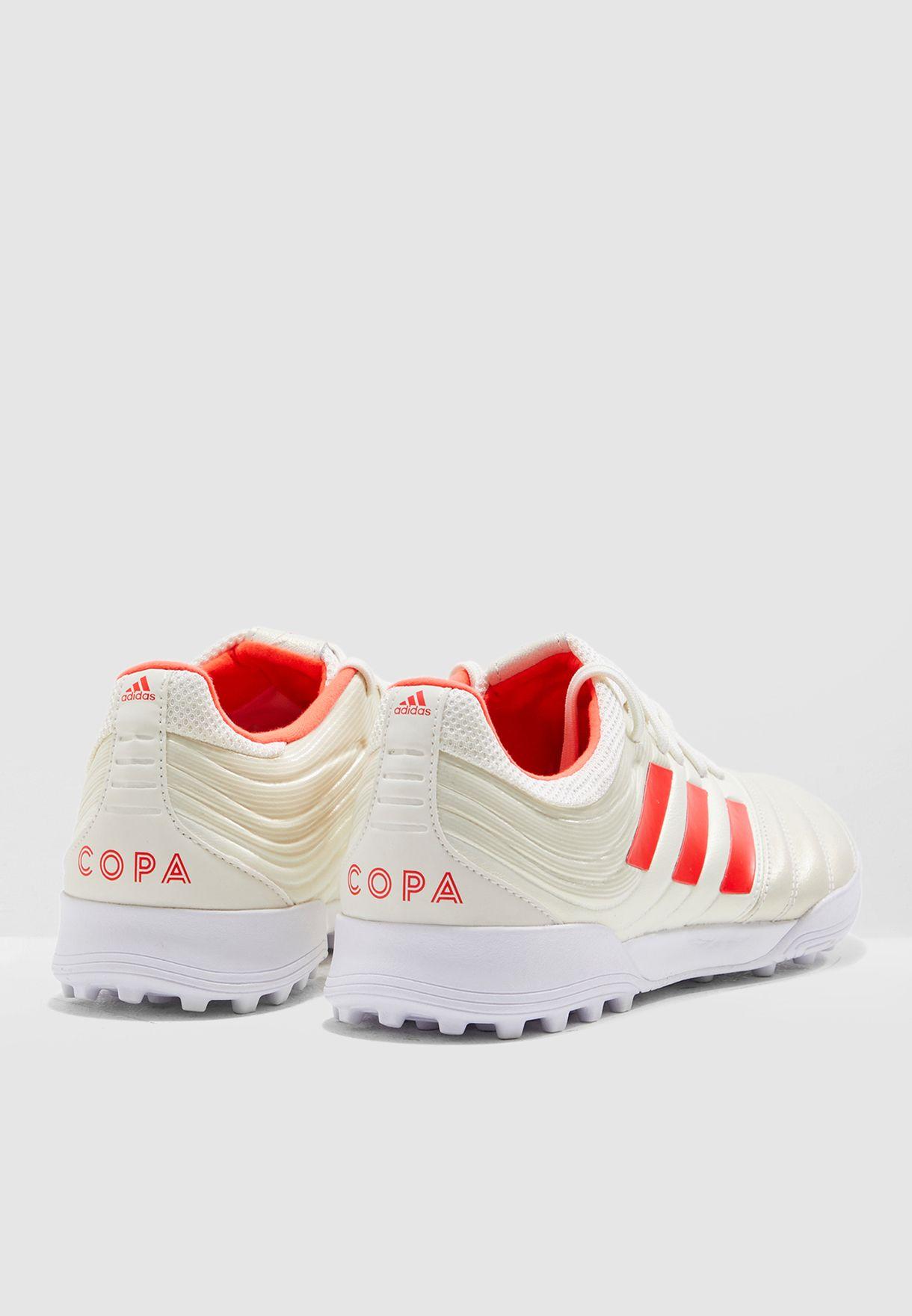 حذاء كوبا 19.3 للارض العشبية