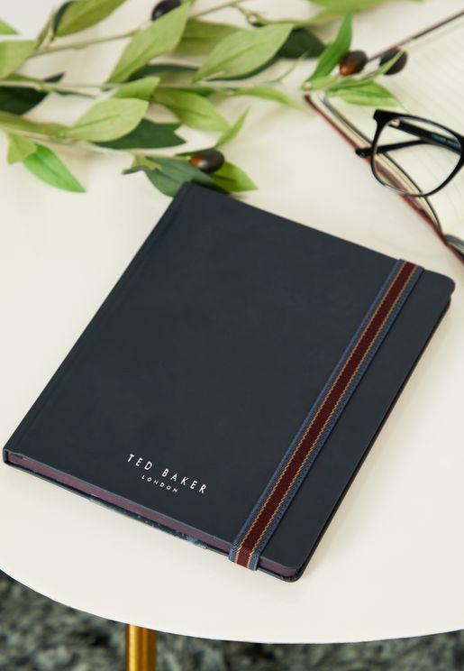 دفتر ملاحظات مزين بشعار الماركة