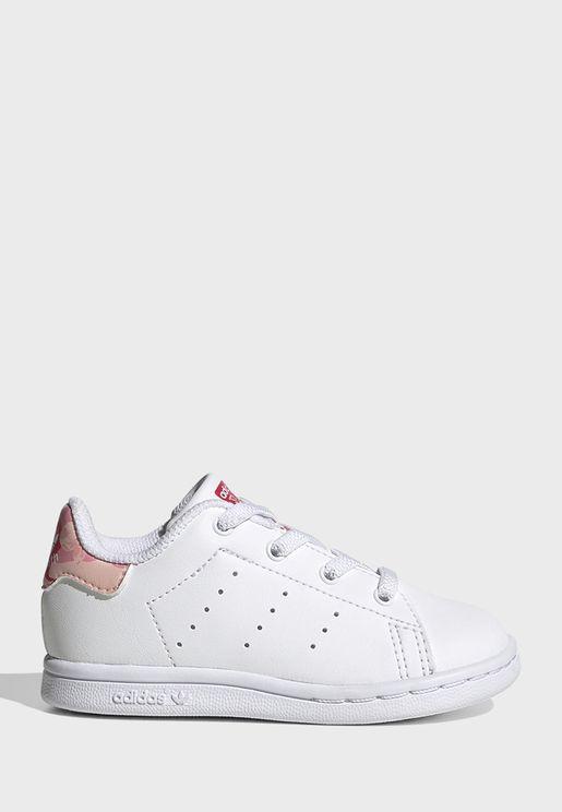حذاء من مجموعة ستان سميث اي ال