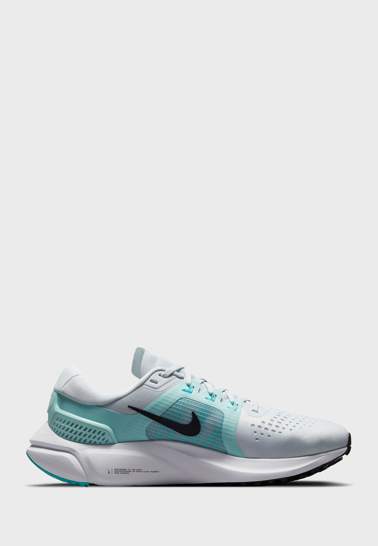 حذاء اير زوم فوميرو 15