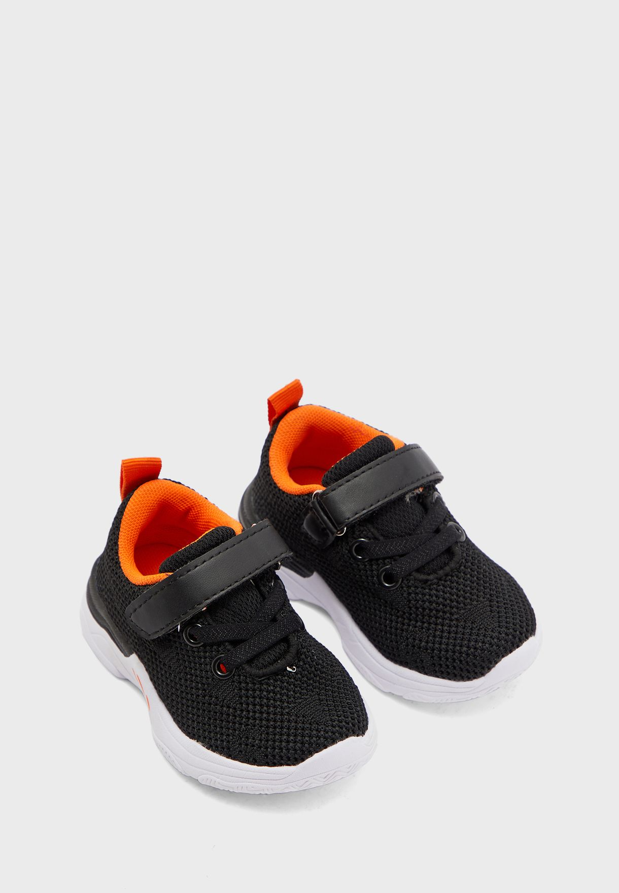 Infant Perforated Sneaker