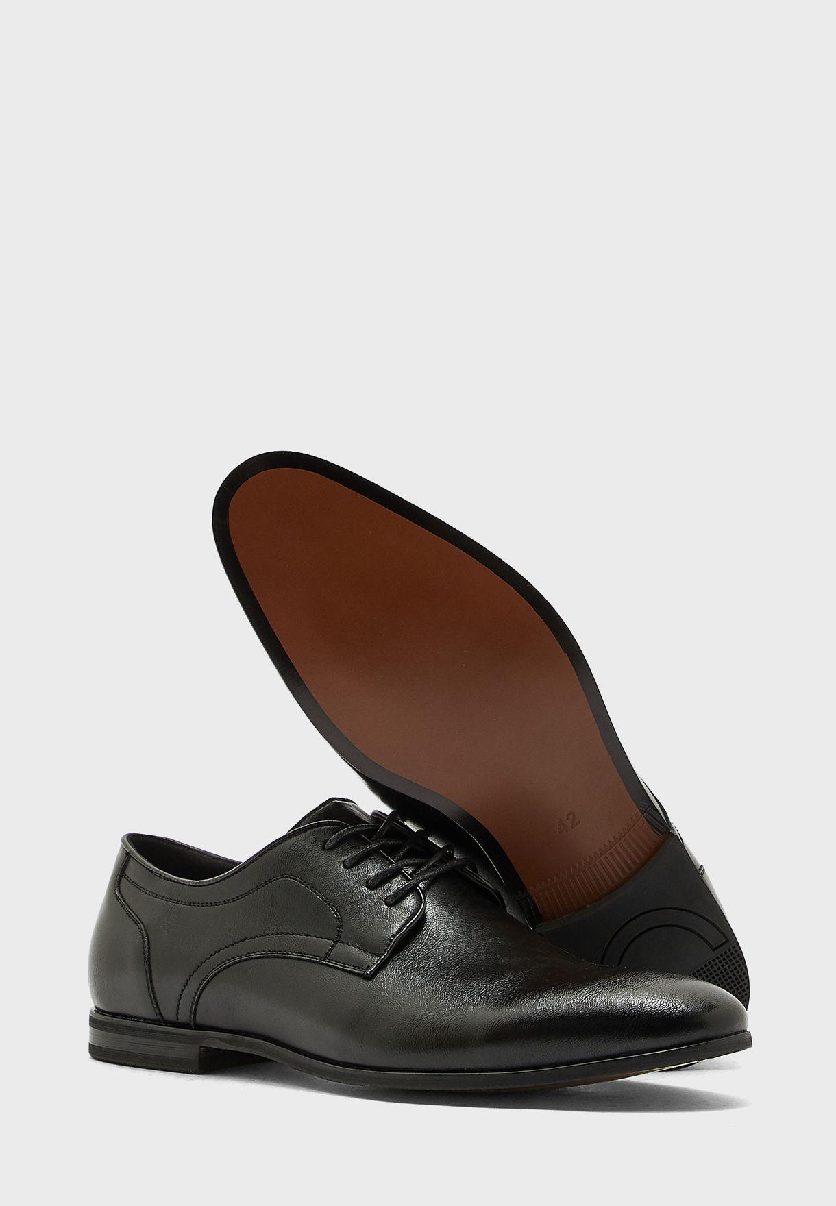 حذاء رسمي باربطة