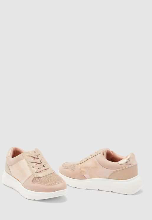 Casual Low Top Sneaker - beige
