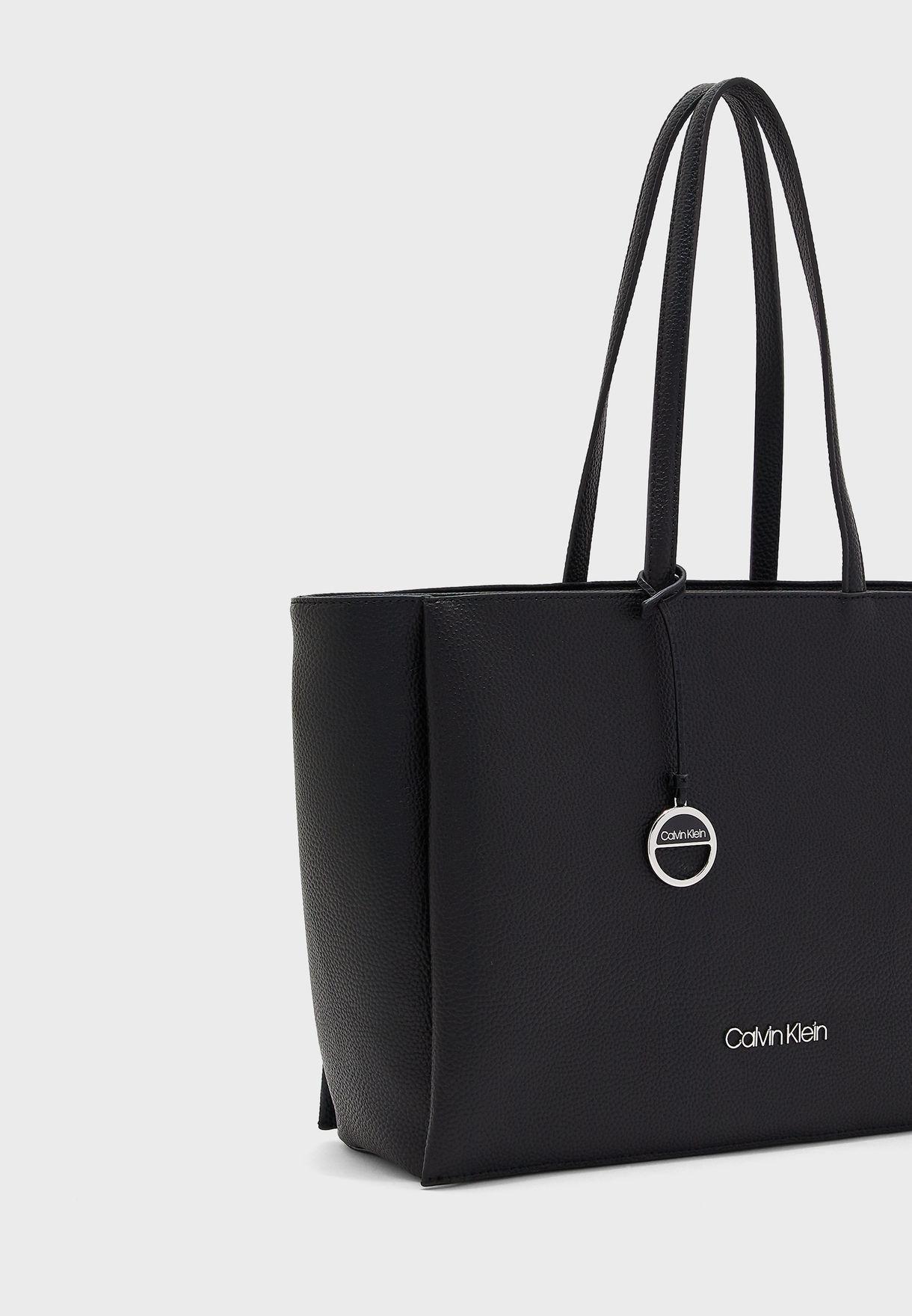 حقيبة تسوق بجيب مخصص للحاسوب المحمول