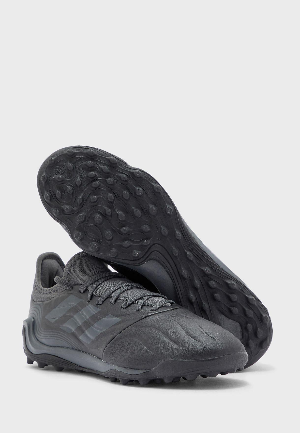 حذاء كوبا سينس 3