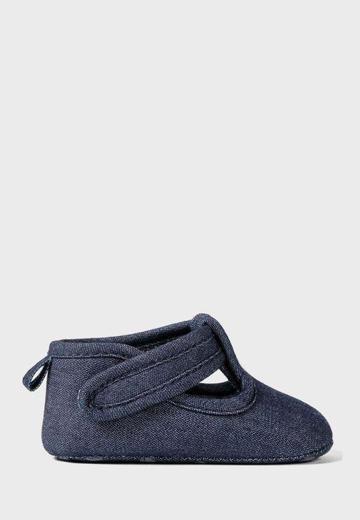 حذاء سهل الارتداء للرضع