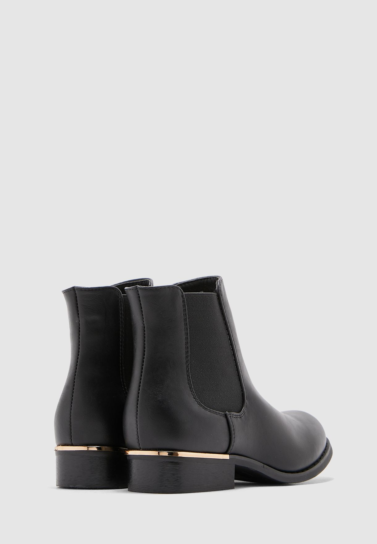Chelsea Boot With Metal Trim