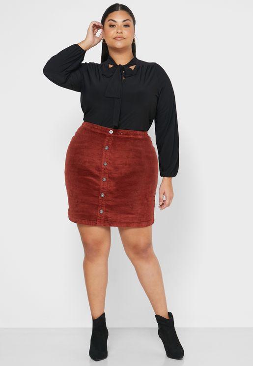 تنورة قصيرة بسحاب