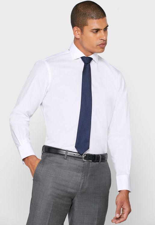 قميص سليم فيت بياقة متباعدة