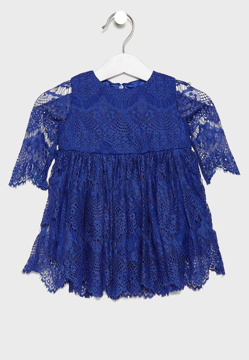 فستان دانتيل باكمام طويلة