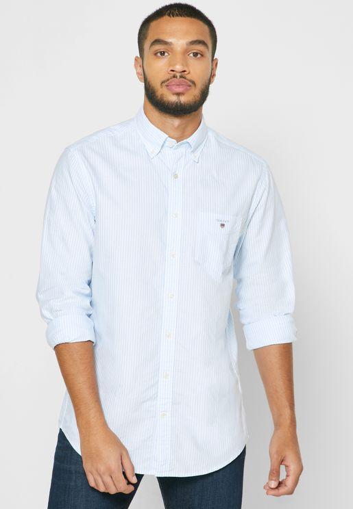 قميص بطباعة خطوط