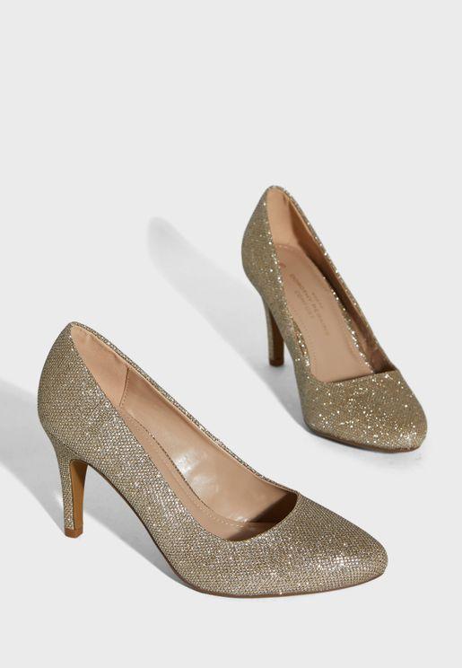 حذاء انيق بكعب عالي