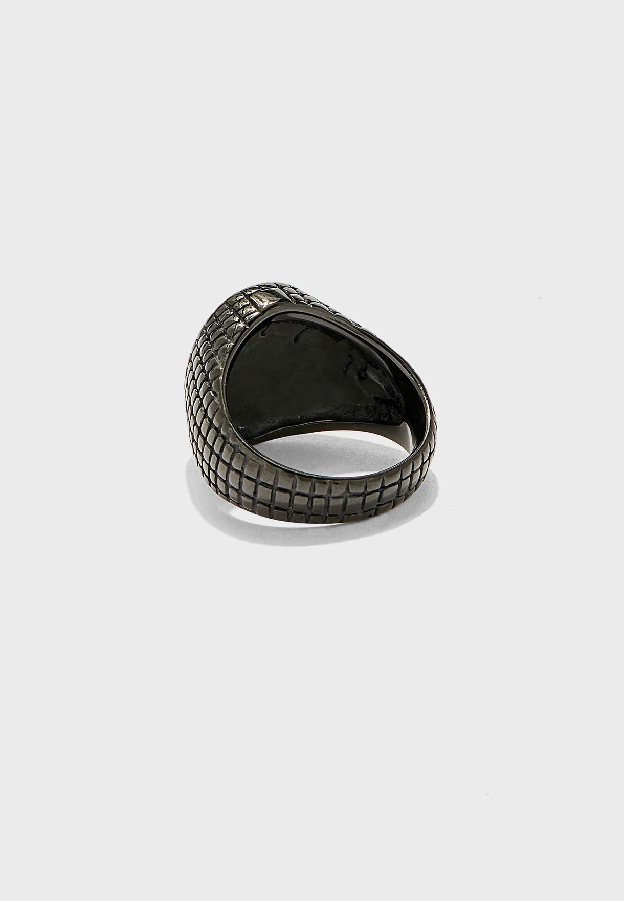 خاتم بحجر صناعي