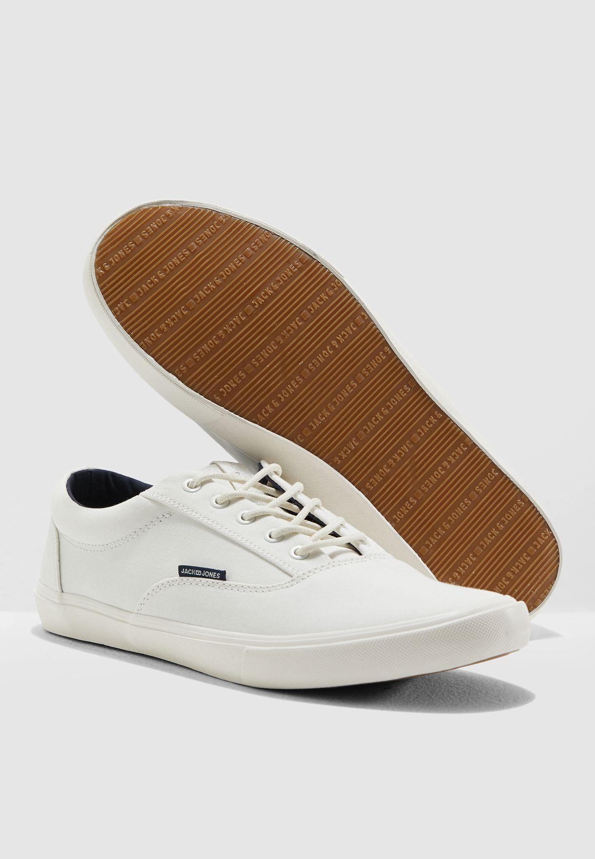 حذاء سنيكرز مريح