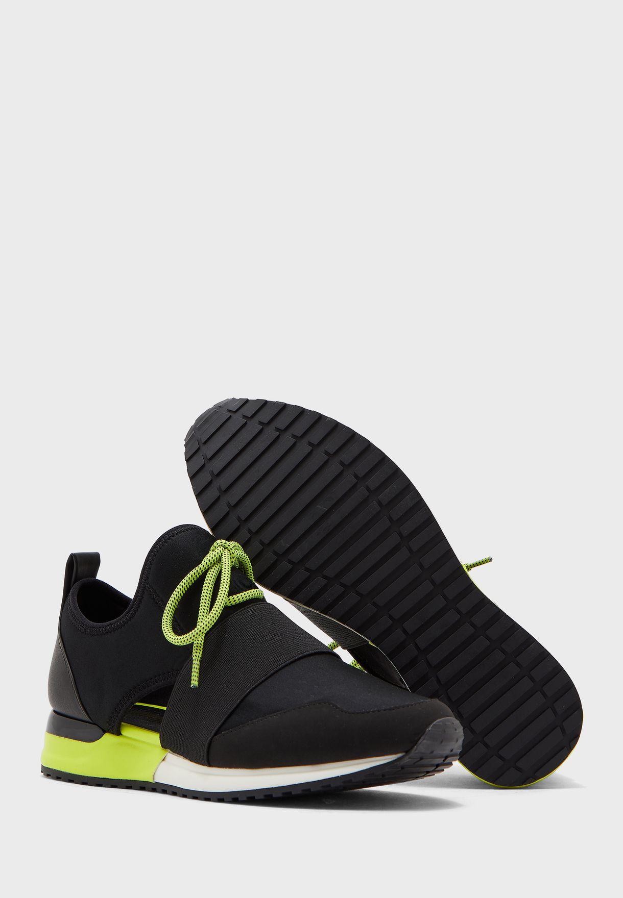 dwiedia sneakers