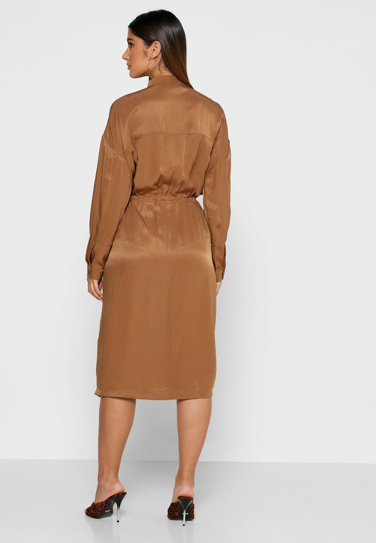 فستان بنمط قميص مع سحاب