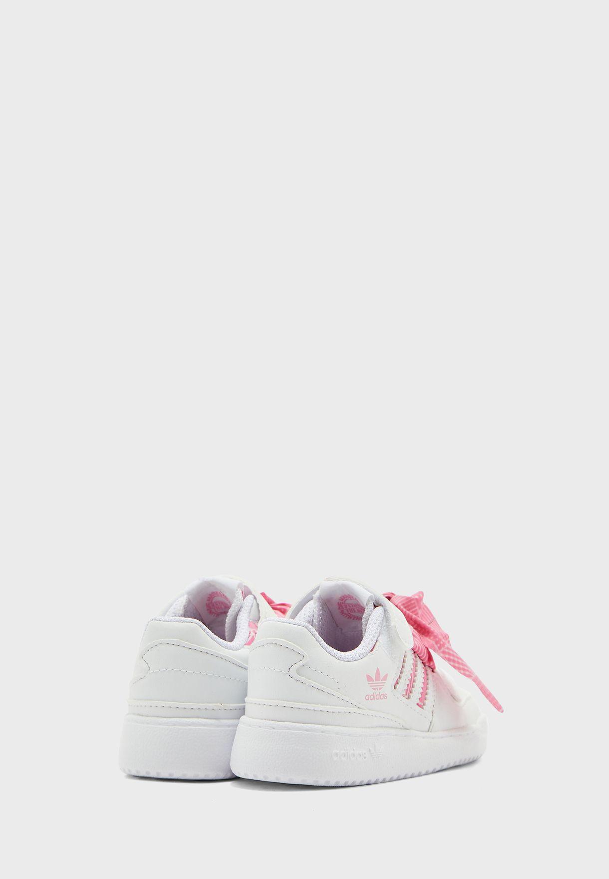 حذاء فوروم لو ايي ال