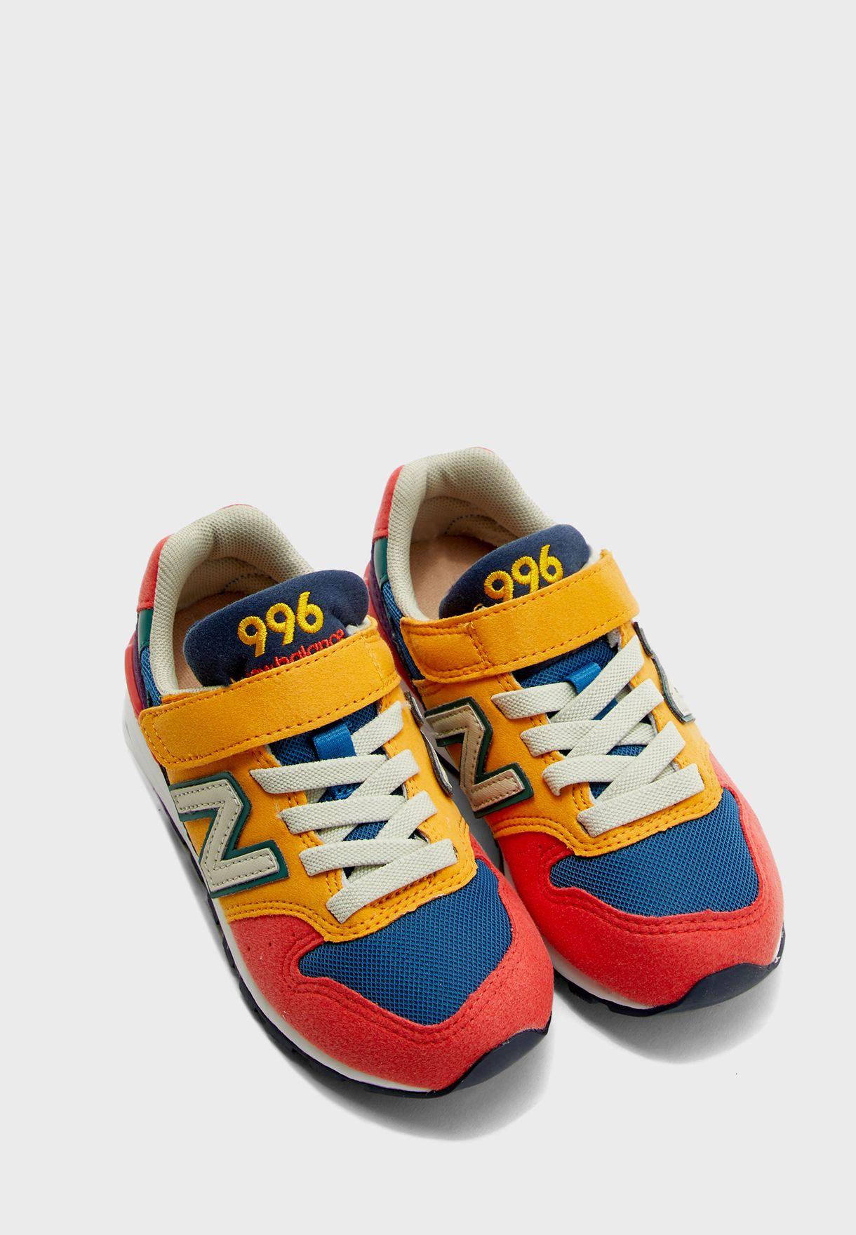 حذاء 996