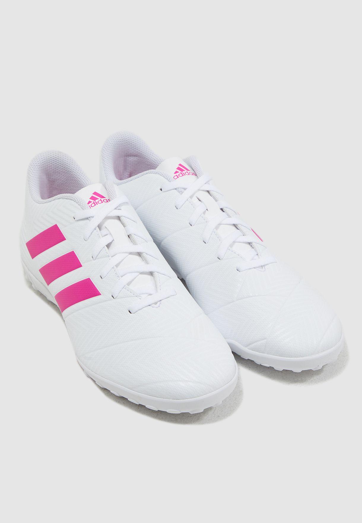 حذاء نيميزيز 18.4 للارض العشبية