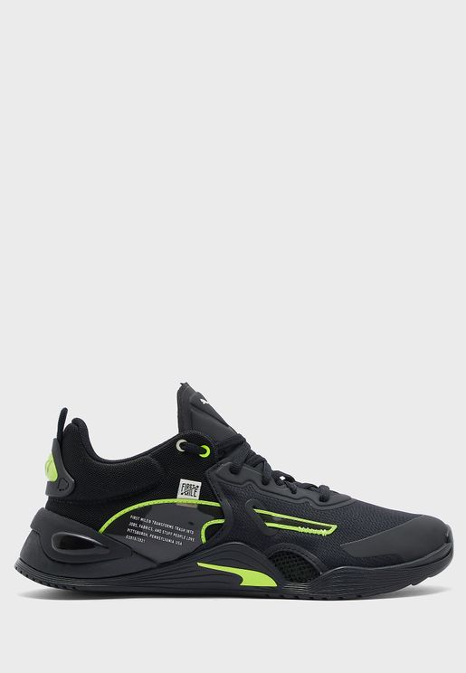 حذاء فيوز اف ام