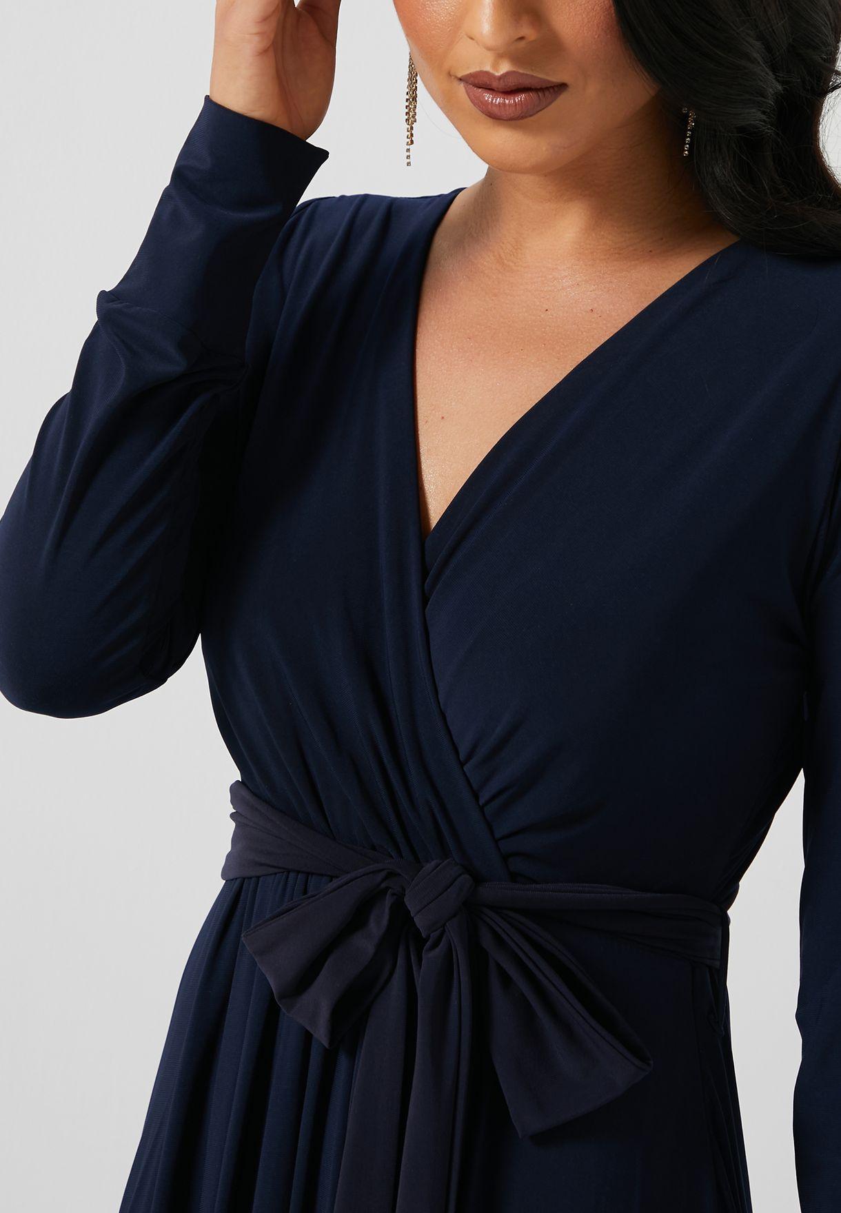 فستان باربطة ياقة