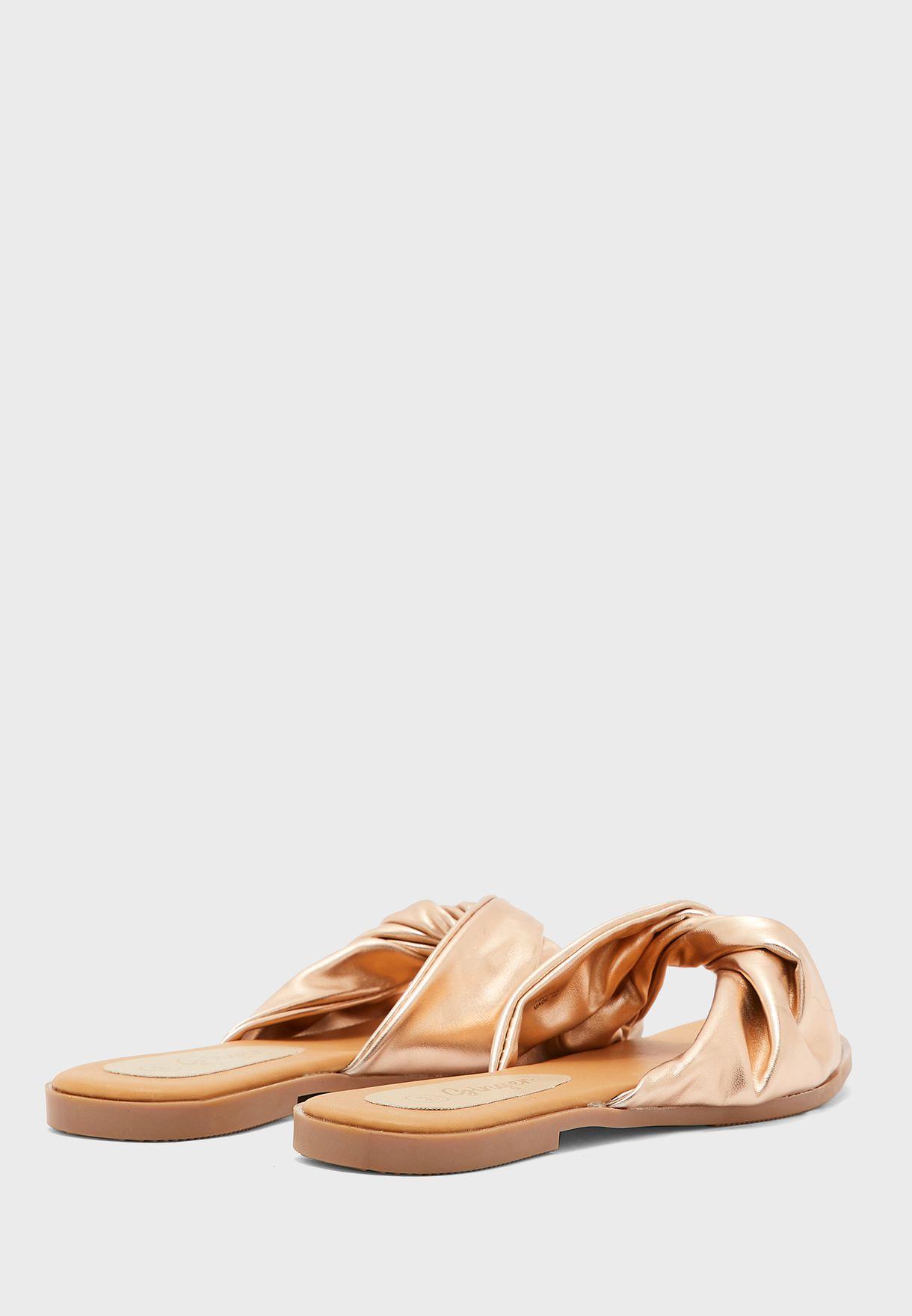 Twisted Front Slip On Flat sandal