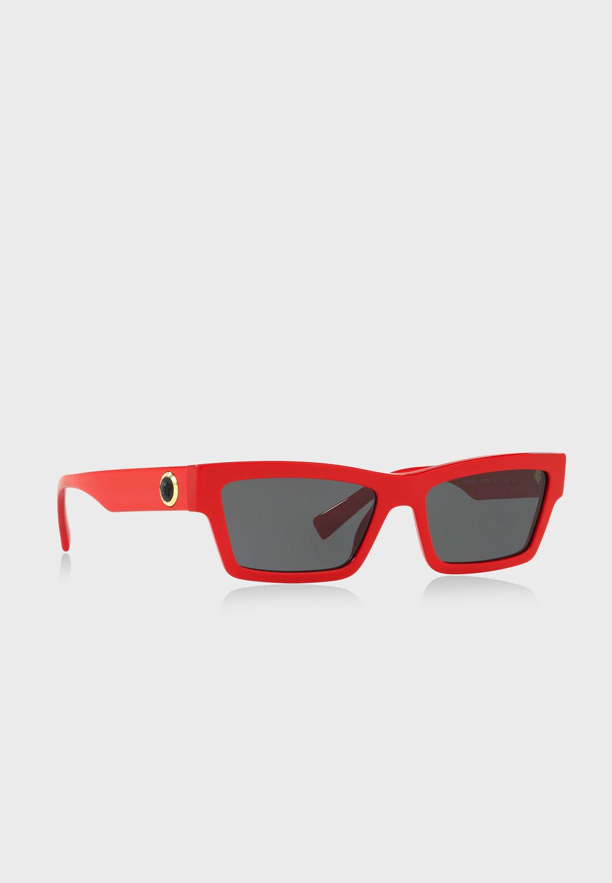 نظارة شمسية بلون نيون