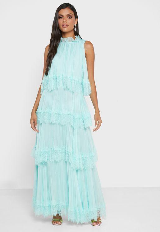 فستان دانتيل بطبقات متعددة