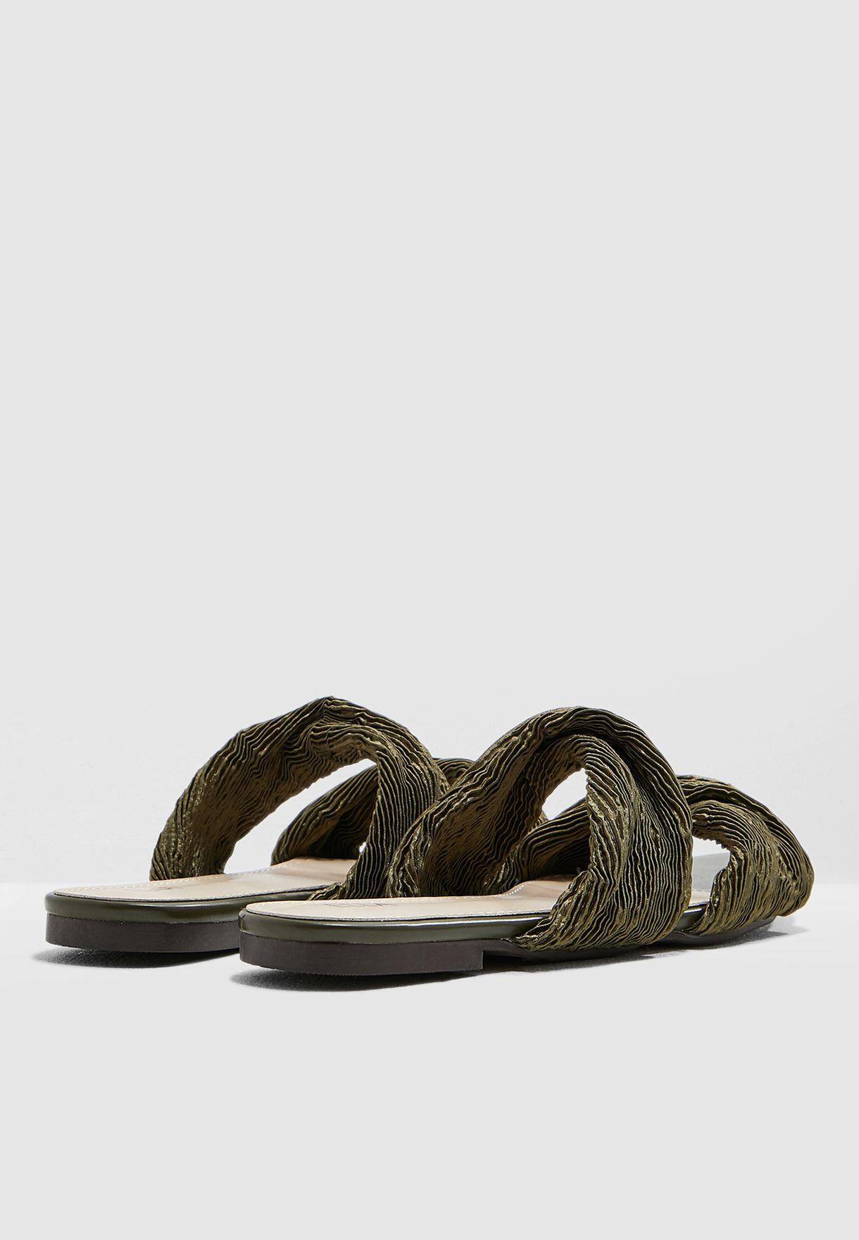 Plisse Twist Sandal