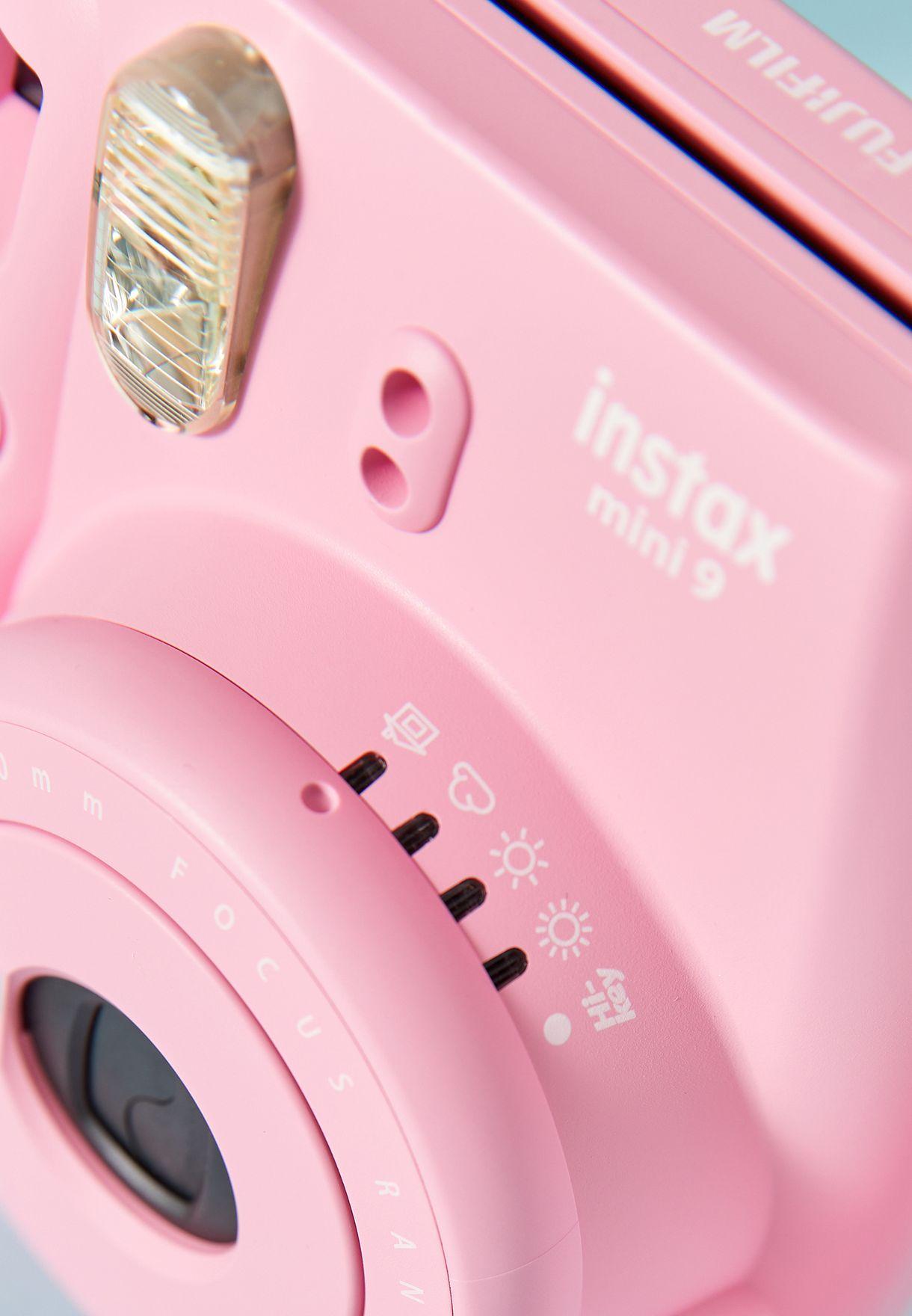 كاميرا انستاكس صغيرة وفيلم
